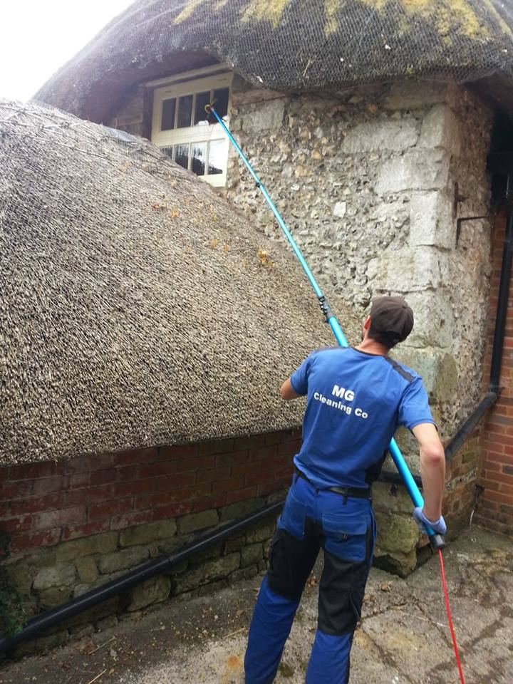 Winow clean at thatched property in Dorset