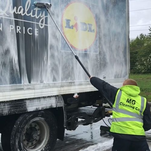 Mobile fleet truck and lorry washing from Exeter to London and Bristol to Birmingham